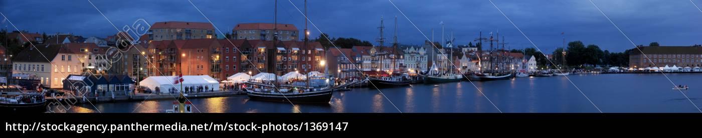 evening, entertainment, in, sønderborg - 1369147
