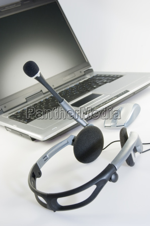 headset, with, laptop - 1370149