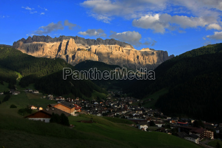 sella in light