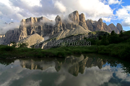 sella in the lake