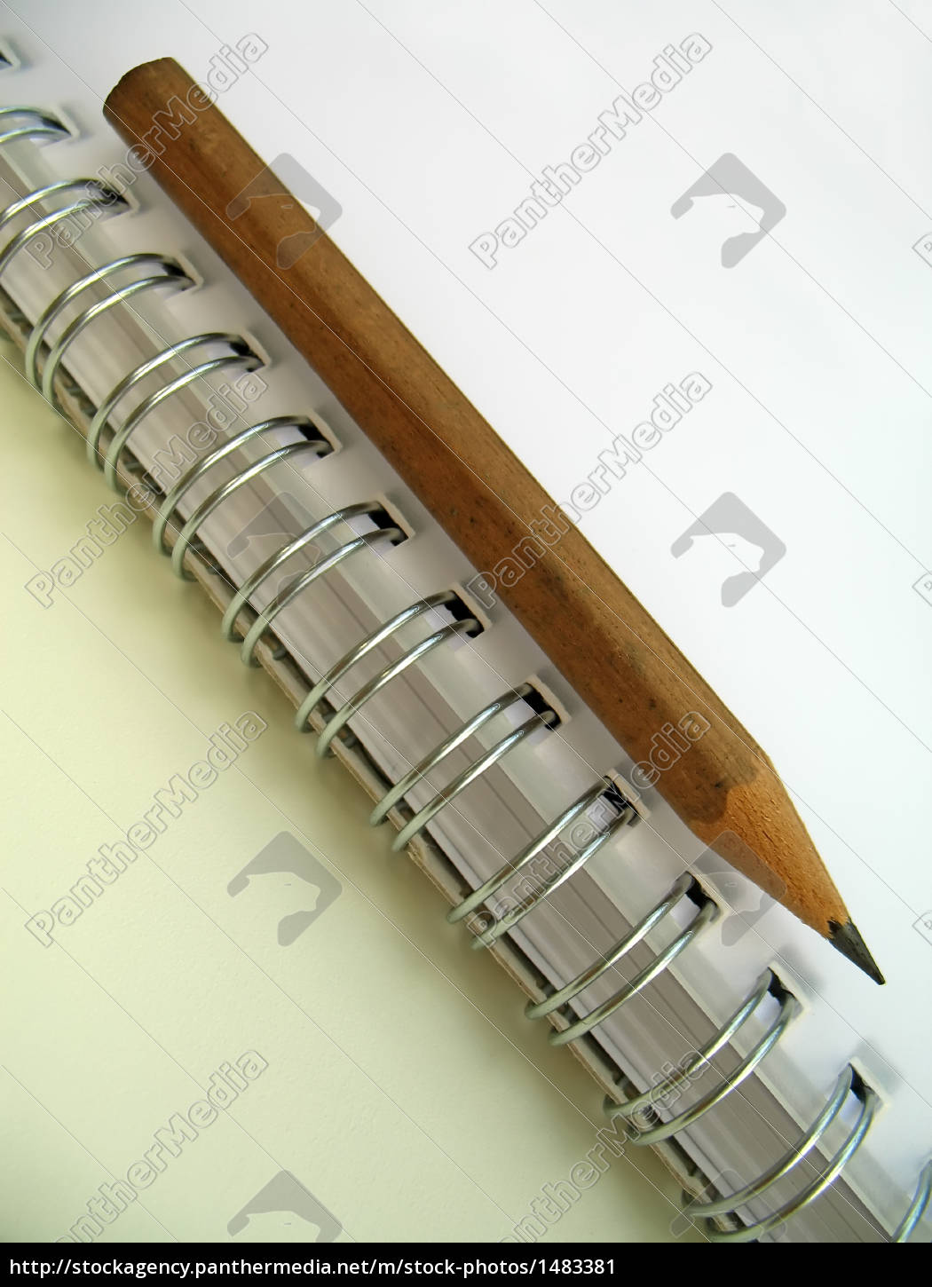 ring, binder, and, pencil - 1483381