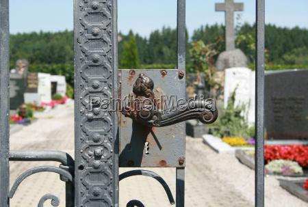 puerta gantry entrada cementerio angel los