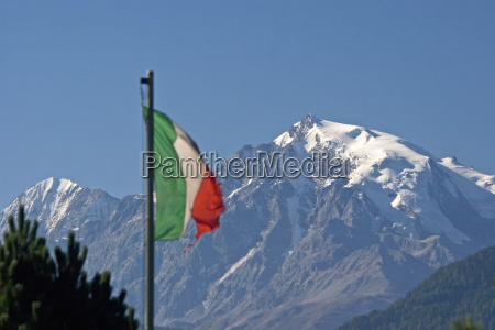 king ortler with italian flag