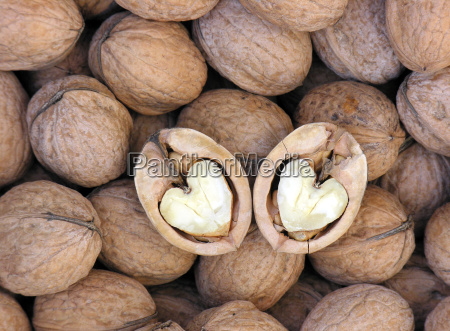 walnuts with heart