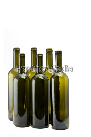 seis botellas de vino vacias aislado