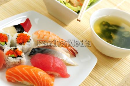 sushi, lunch - 1577381