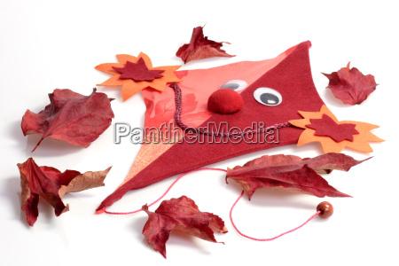 ansigt dekoration efterarsblade drage