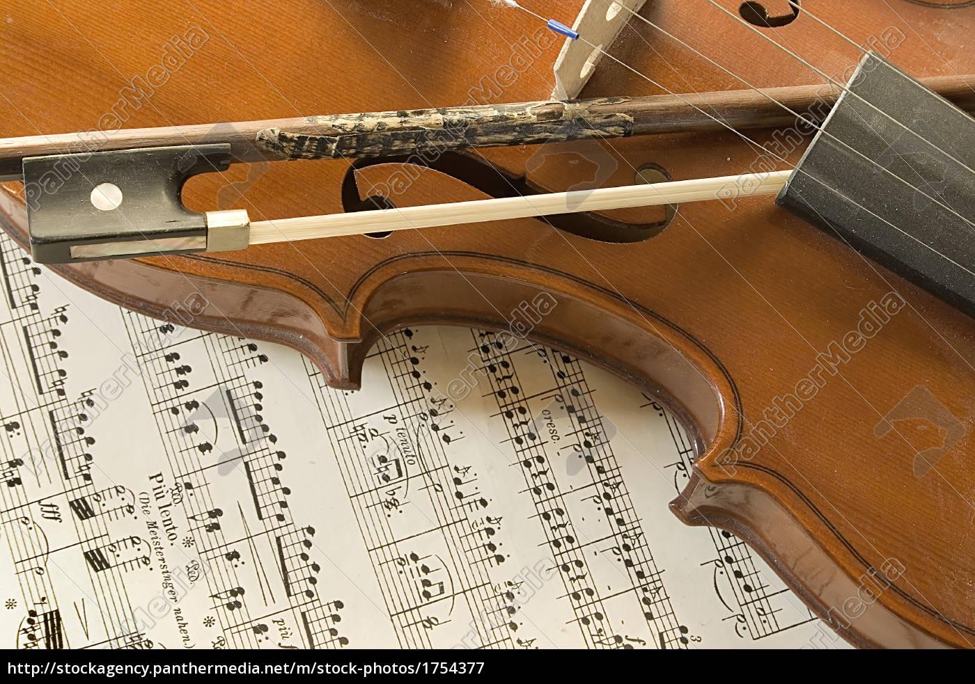 still, life, with, violin - 1754377