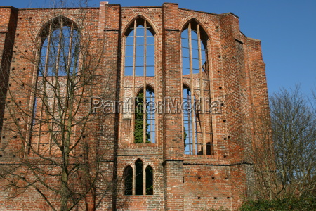 hansestadt ruina stralsund johanniskloster backsteingebaeude schillstrasse