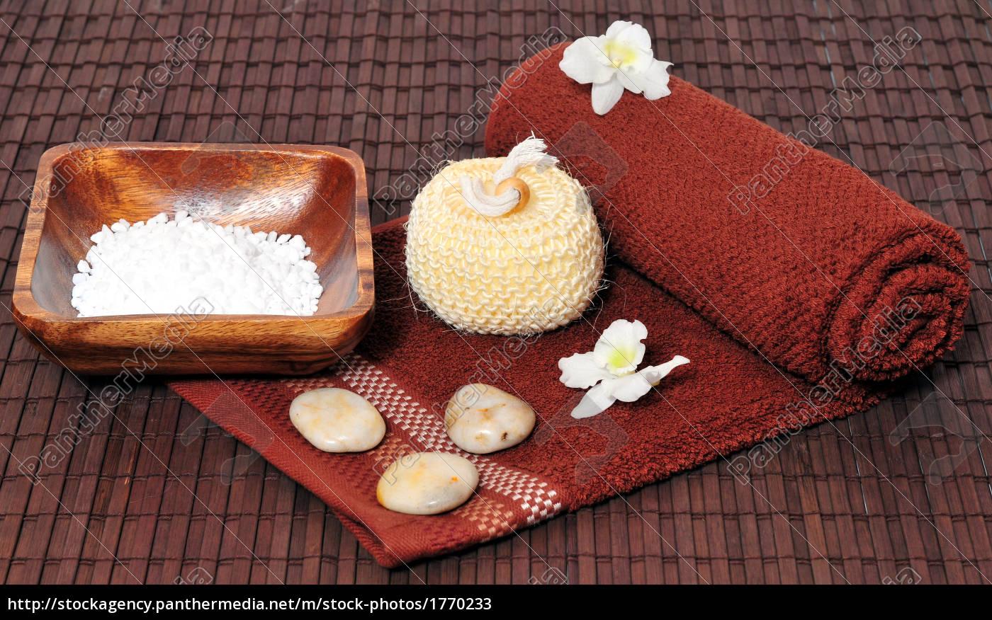 towels, salt, sponge - 1770233