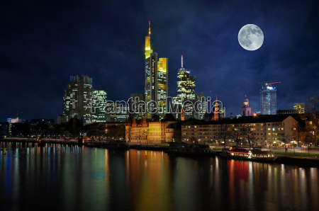 skyline, ffm, with, moon - 1774477