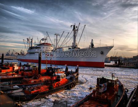porto hamburgo portas elba cargueiro gelo