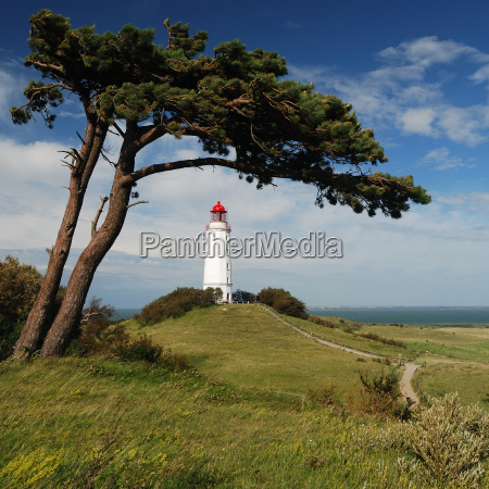 the lighthouse under the windfluechter