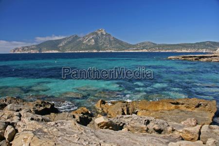 overlooking dracheninsel mallorca
