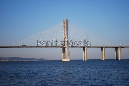 vasco da gama bridge over river
