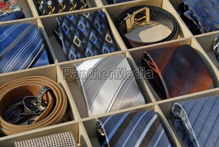 krwatten and belt