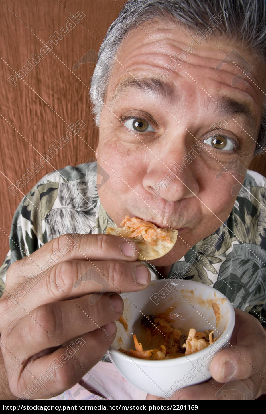 man, eating, chips, and, dip - 2201169