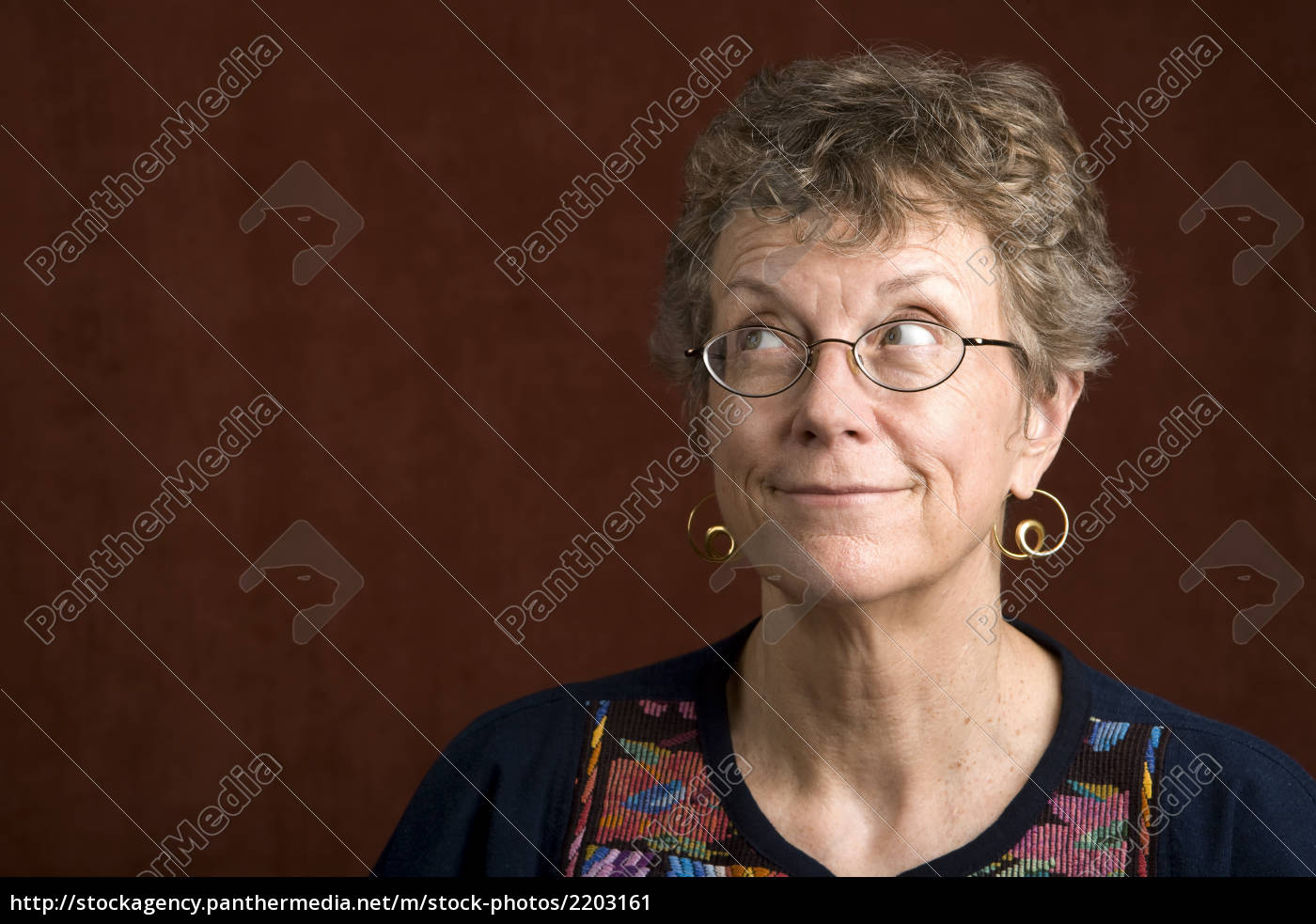 woman, with, glasses, looking, up - 2203161