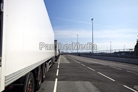 lateral de un camion en un