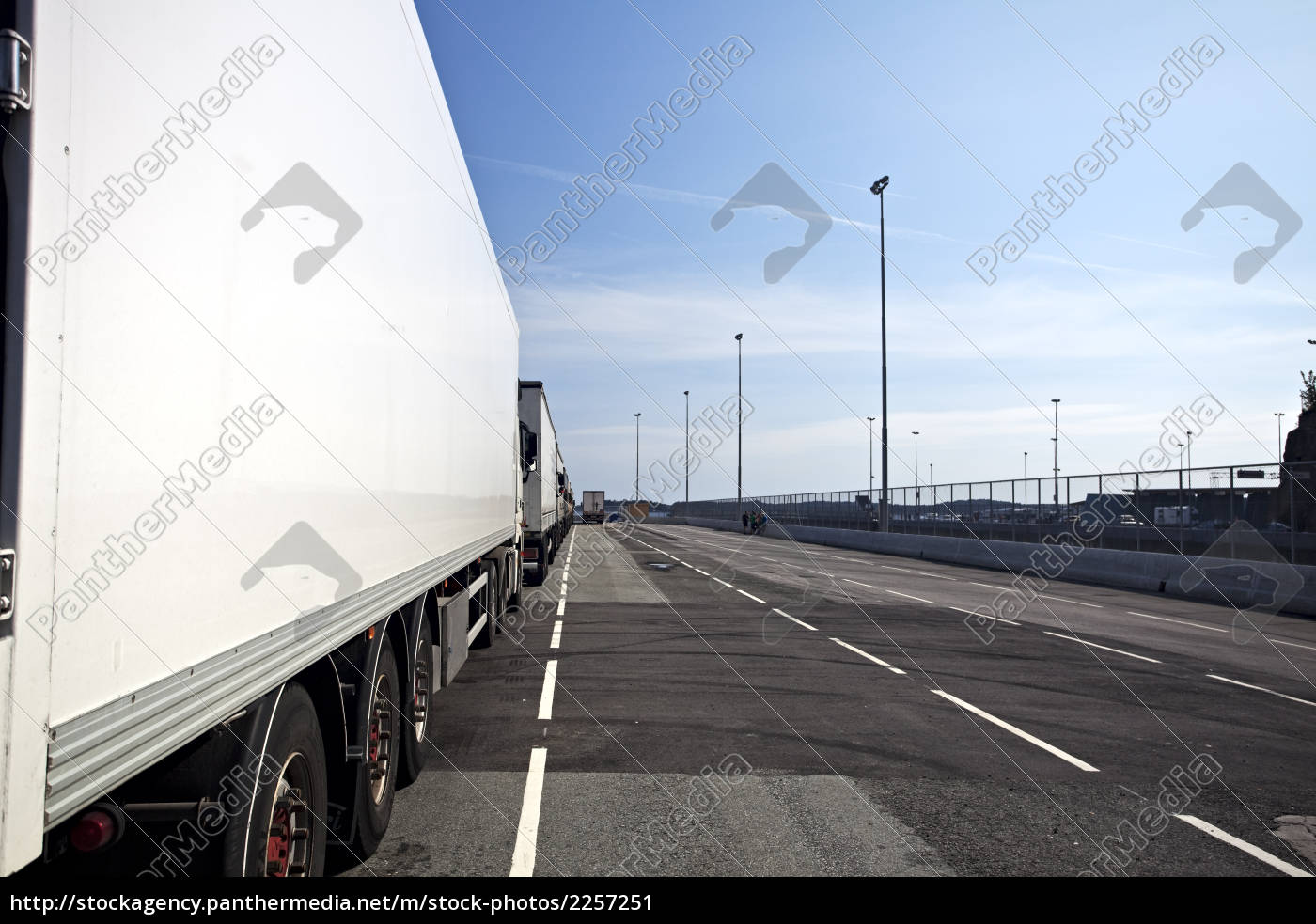 side, of, a, truck, in, a - 2257251