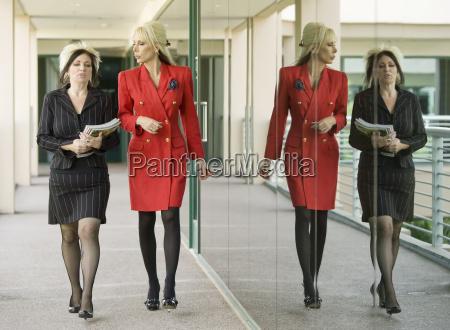 modern businesswomen on an outdoor walkway