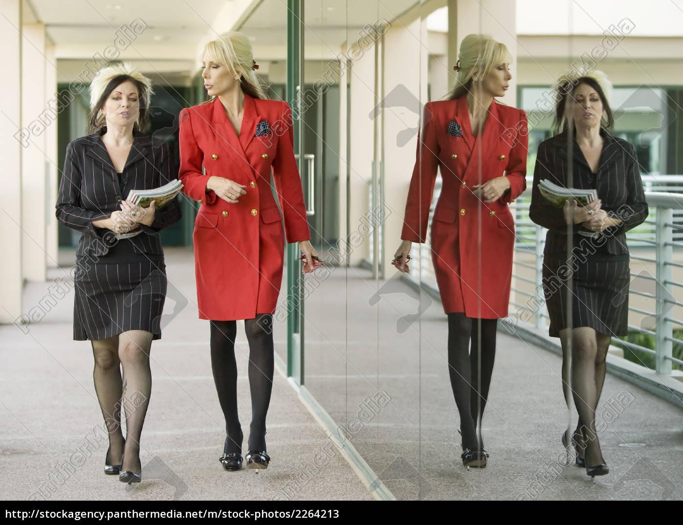 modern, businesswomen, on, an, outdoor, walkway - 2264213