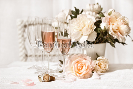 two, glasses, filled, with, pink, champagne - 2265675