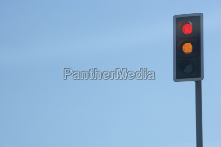 red, traffic, light, set, against, a - 2332139