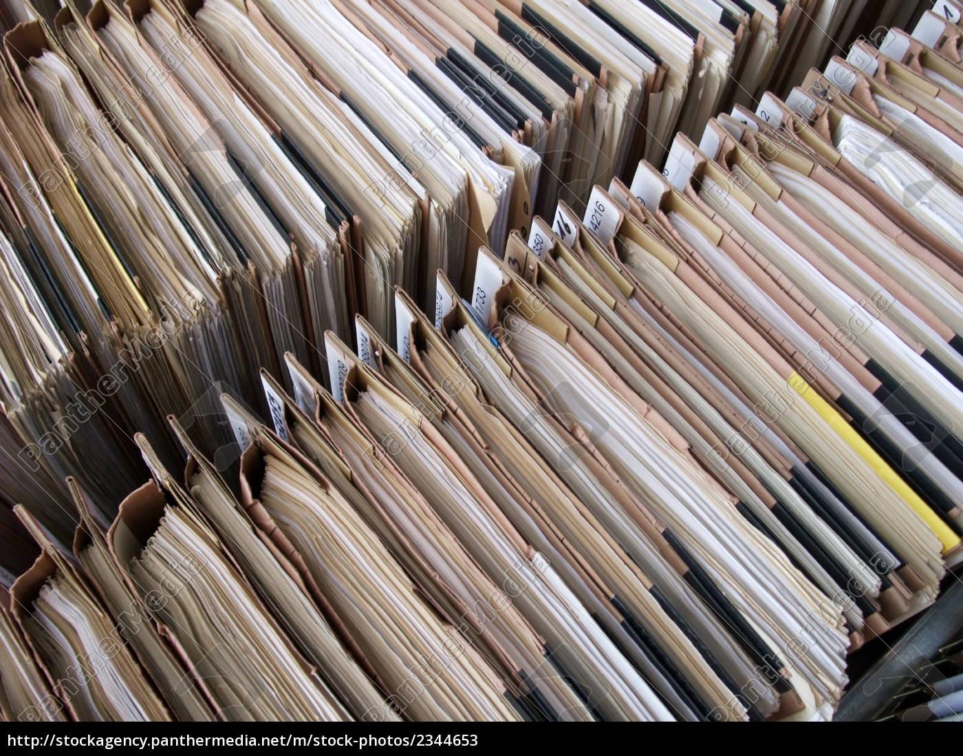 files, on, the, shelf - 2344653