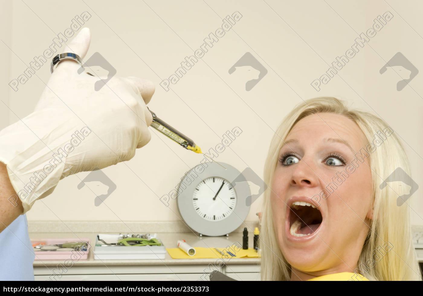 dentist - 2353373