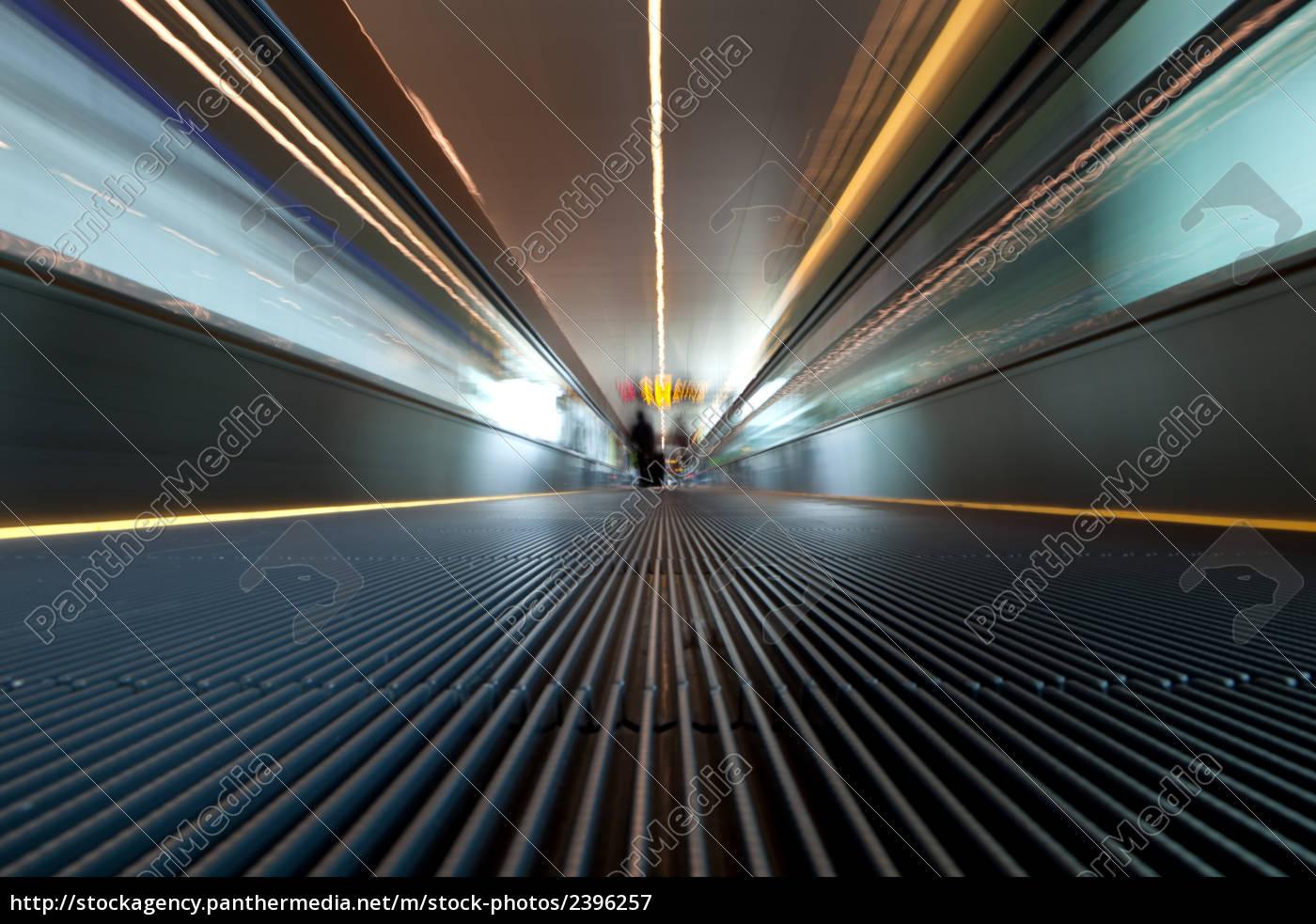 treadmill, at, an, airport - 2396257