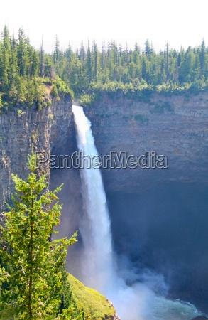 helmcken falls murtle river canada