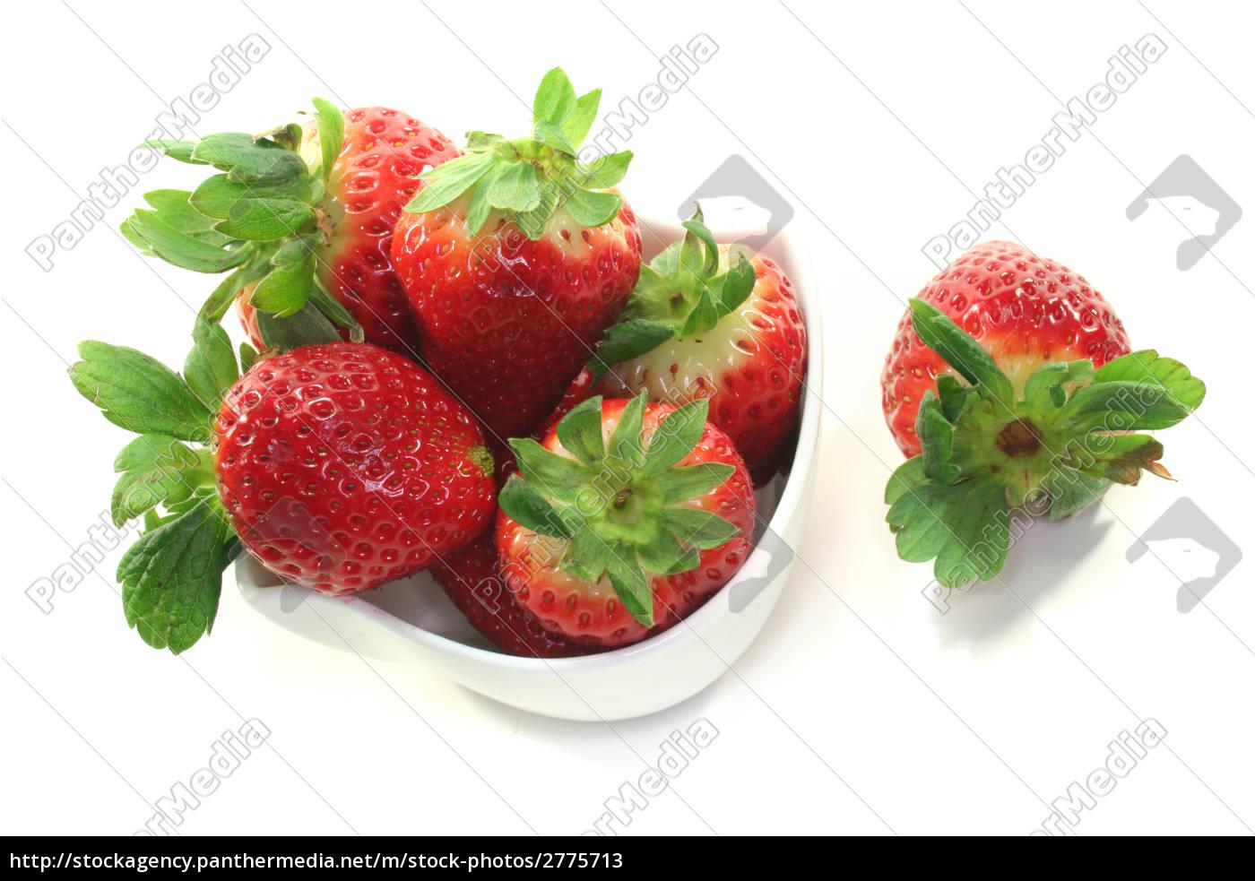 strawberries - 2775713