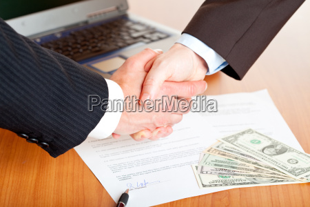 handshake, after, signing, a, contract - 2805295
