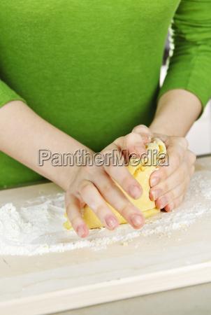 hands, kneading, dough - 2809113