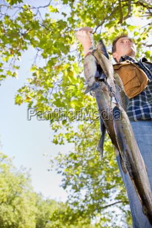 fisherman, carrying, fish - 2822585