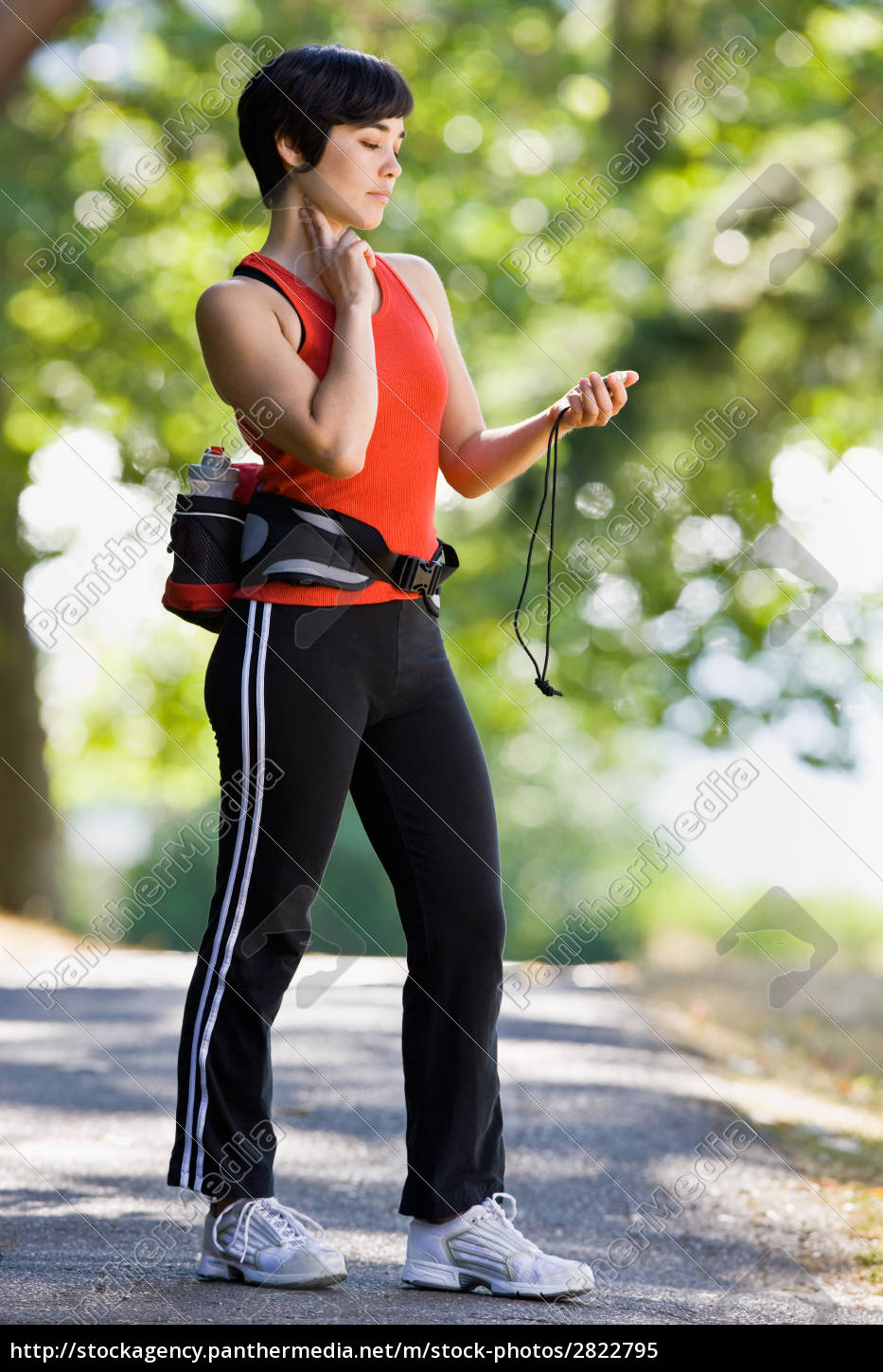 runner, checking, pulse, after, exercising - 2822795