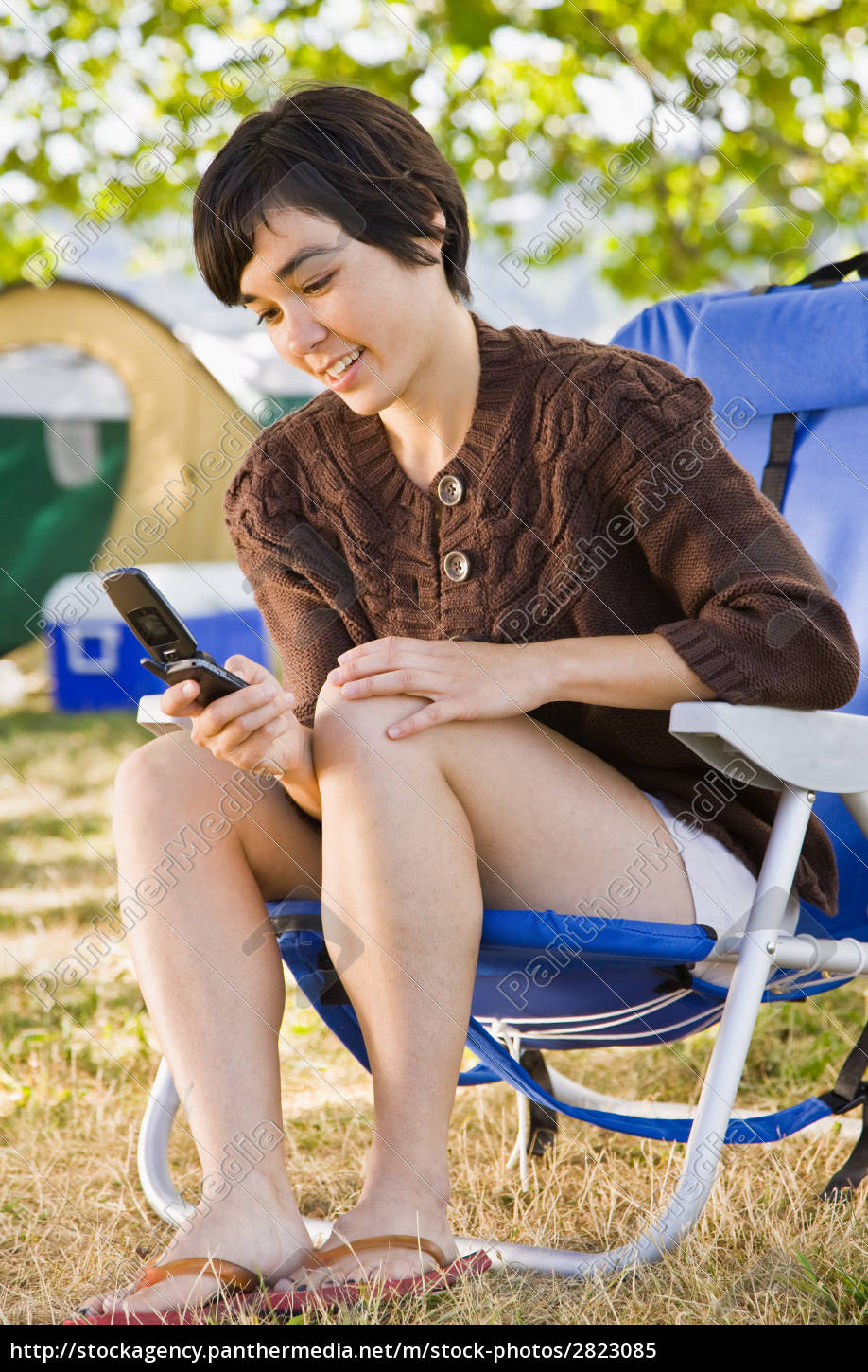 camper, text, messaging, on, cell, phone - 2823085