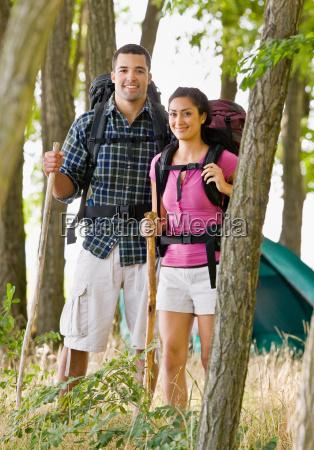 couple, in, backpacks, hiking - 2823959