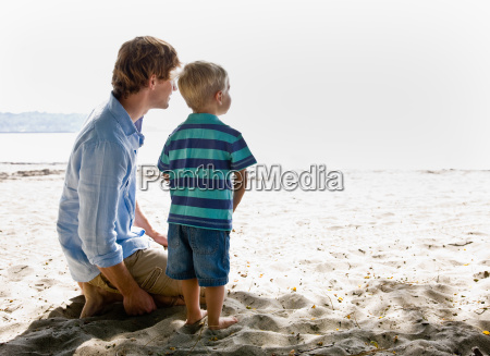 father, and, son, at, beach - 2823737