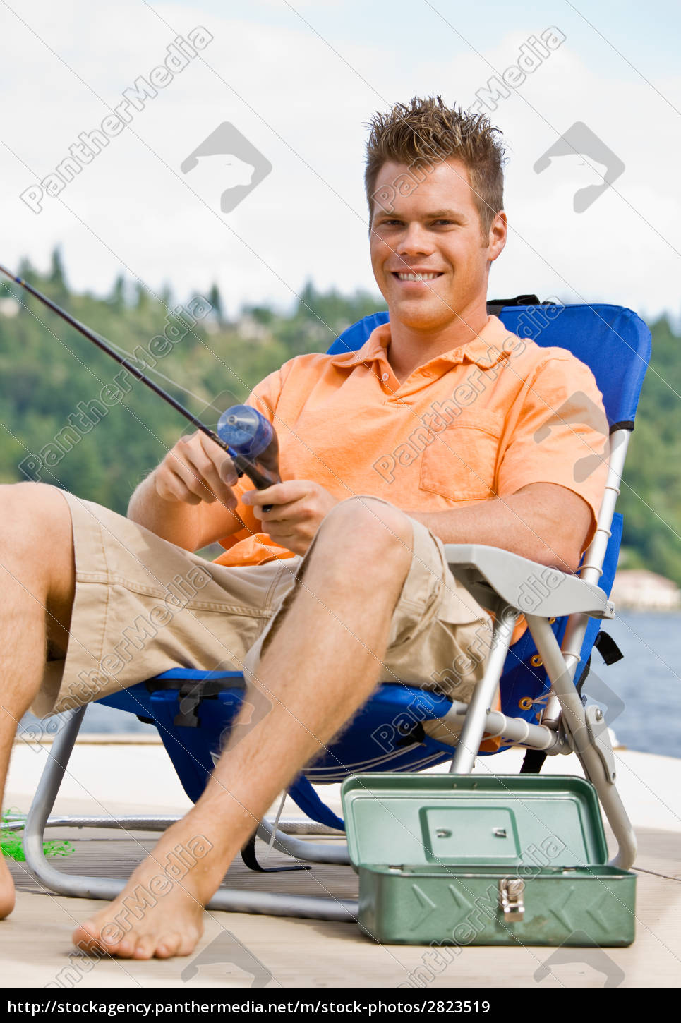 man, fishing, on, pier - 2823519
