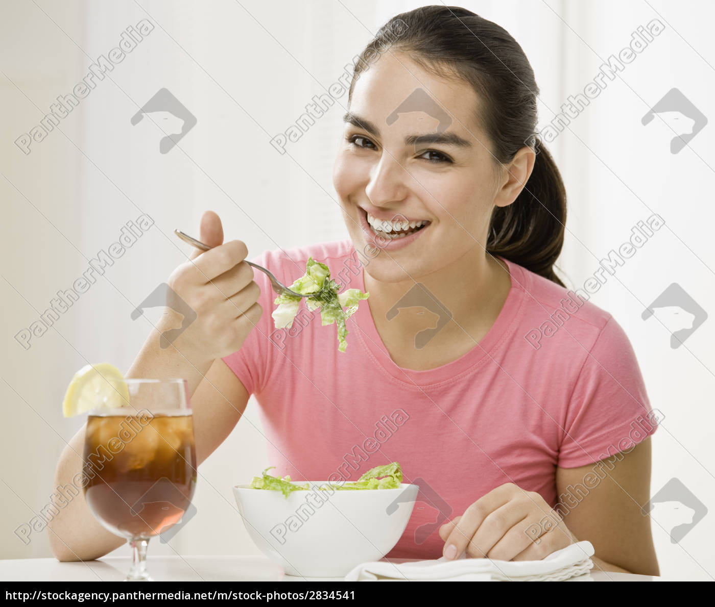 young, woman, eating - 2834541