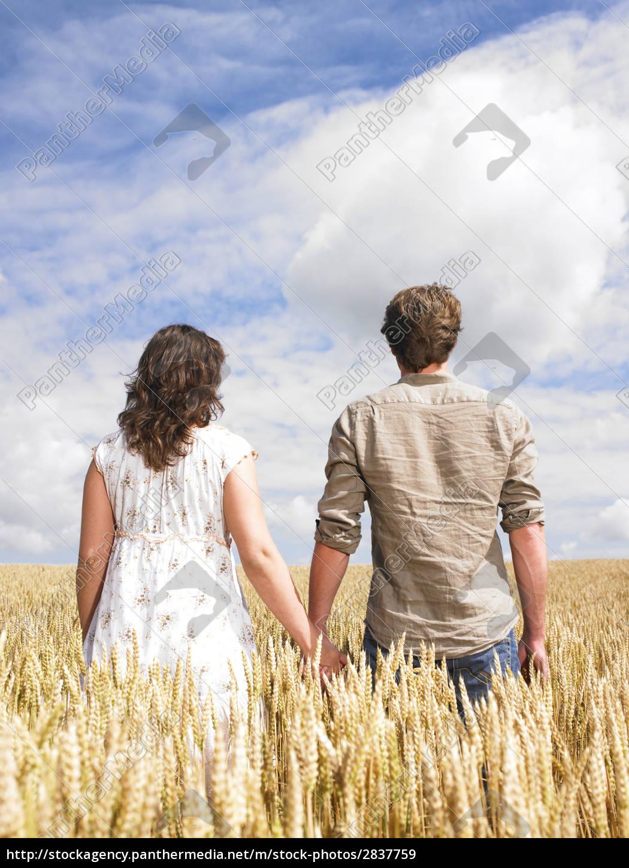 couple, hugging, in, wheat, field - 2837759