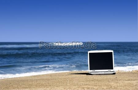 laptop, on, the, beach - 2848523