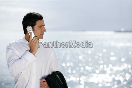 man, phoning, with, mobile, phone, looking - 2899661