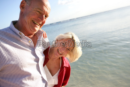 portrait, of, a, smiling, senior, couple - 2899589