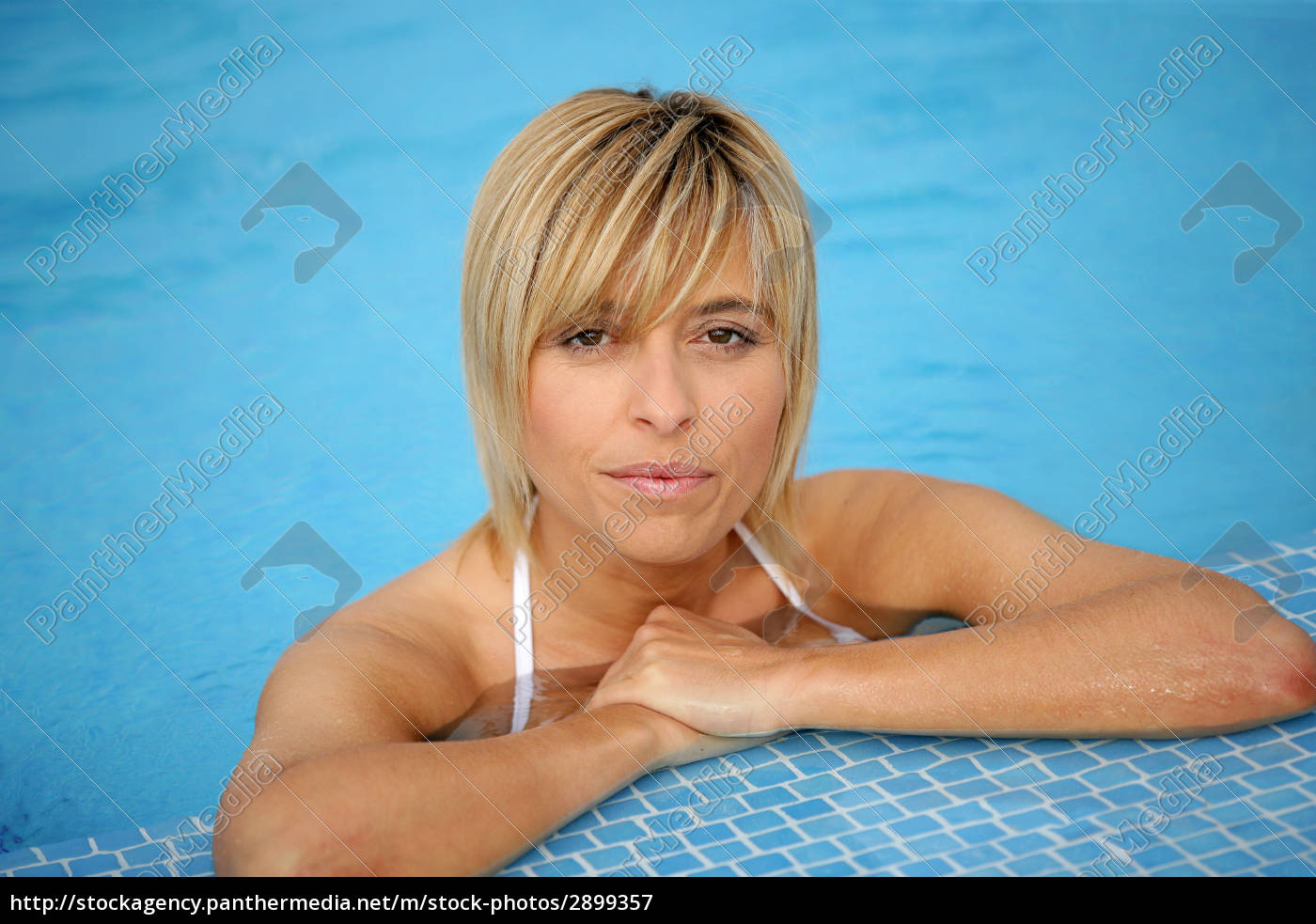 portrait, of, a, woman, bathing, at - 2899357