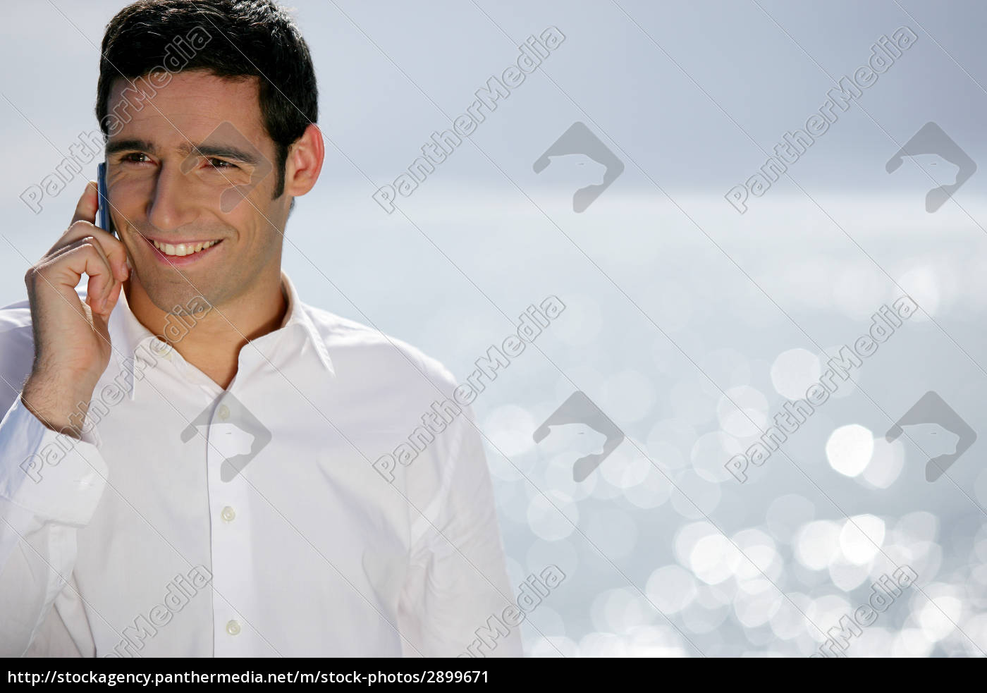 portrait, of, smiling, man, with, mobile - 2899671