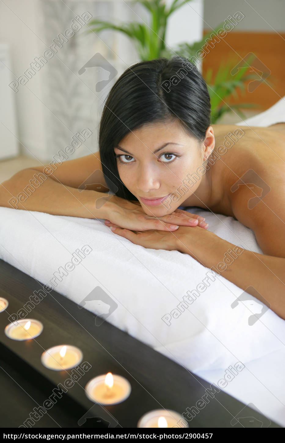 portrait, of, a, woman, lying, relaxed - 2900457