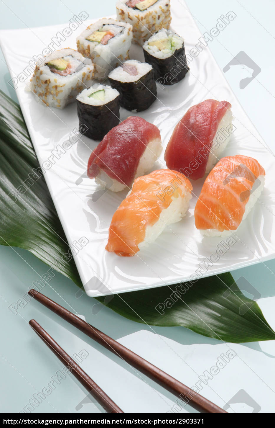 plate, of, sushi, with, chopsticks, asian - 2903371